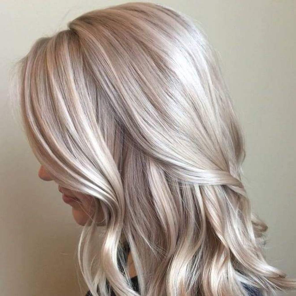 жемчужно-пепельные волосы
