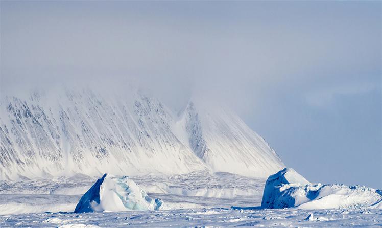Ледник на острове большевик