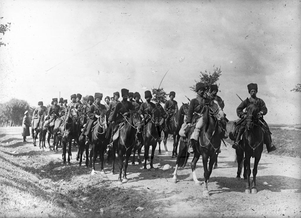 Российские казаки на фронте