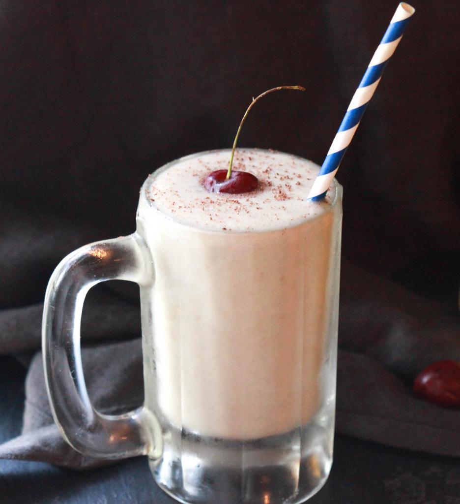 Вишневый молочный коктейль