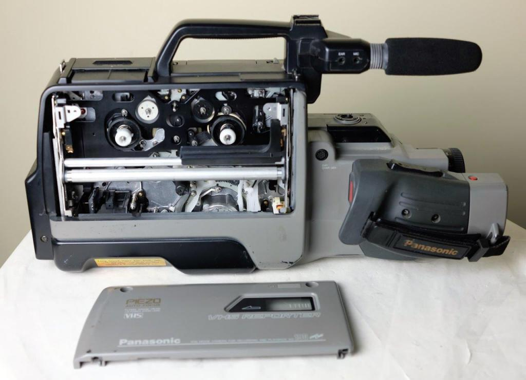 VHS-видеокамера Panasonic AG190