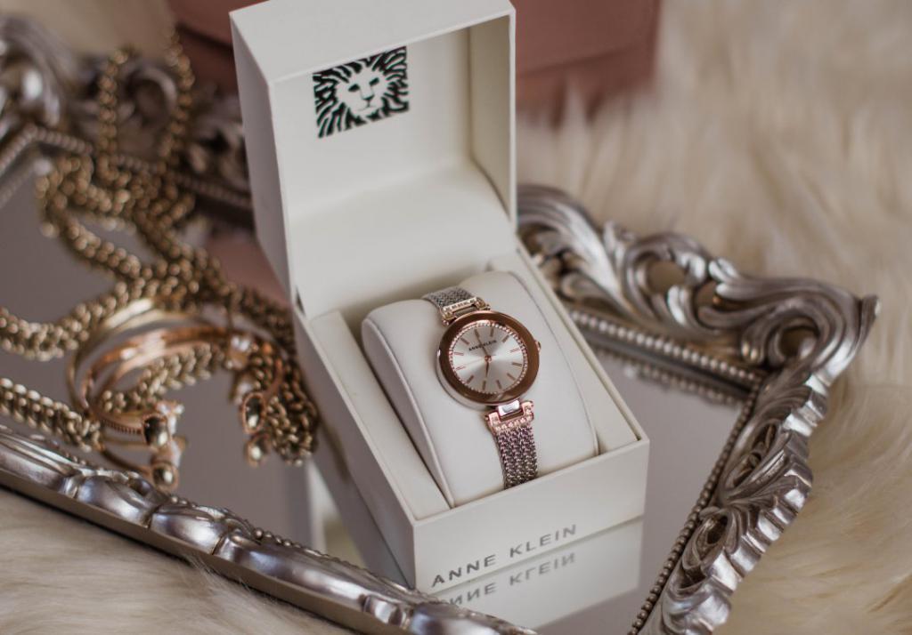 часы в подарок получить во сне