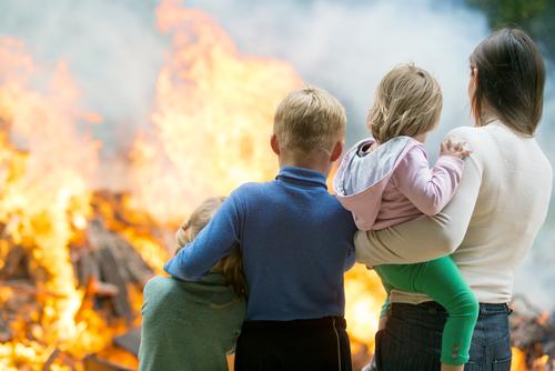 люди на пожаре