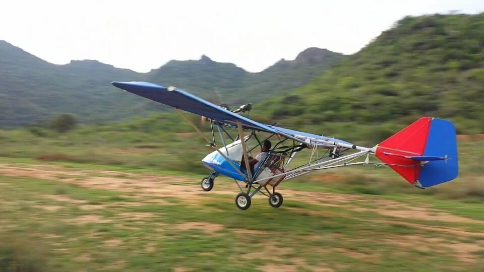 взлет самодельного самолета