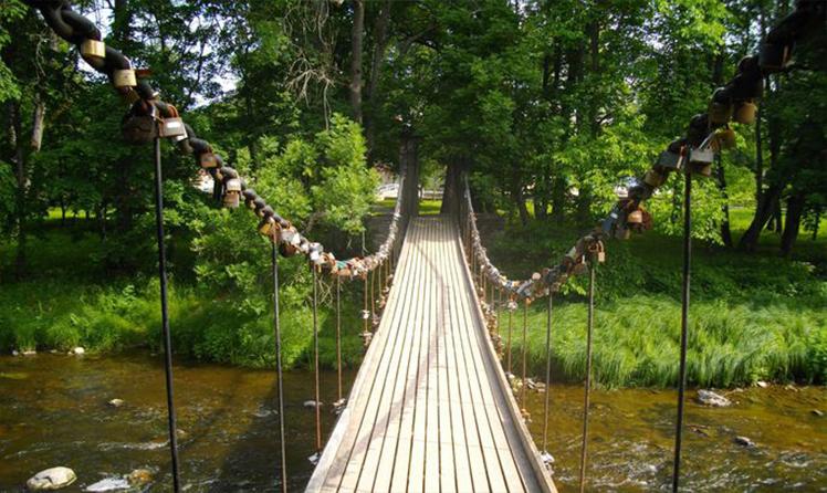 Мост влюбленных на реке Кейла