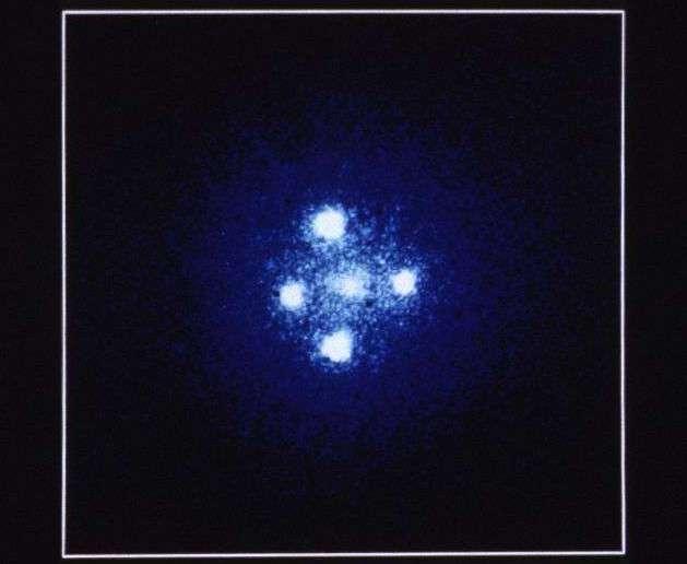 Линзированный квазар Крест Эйнштейна