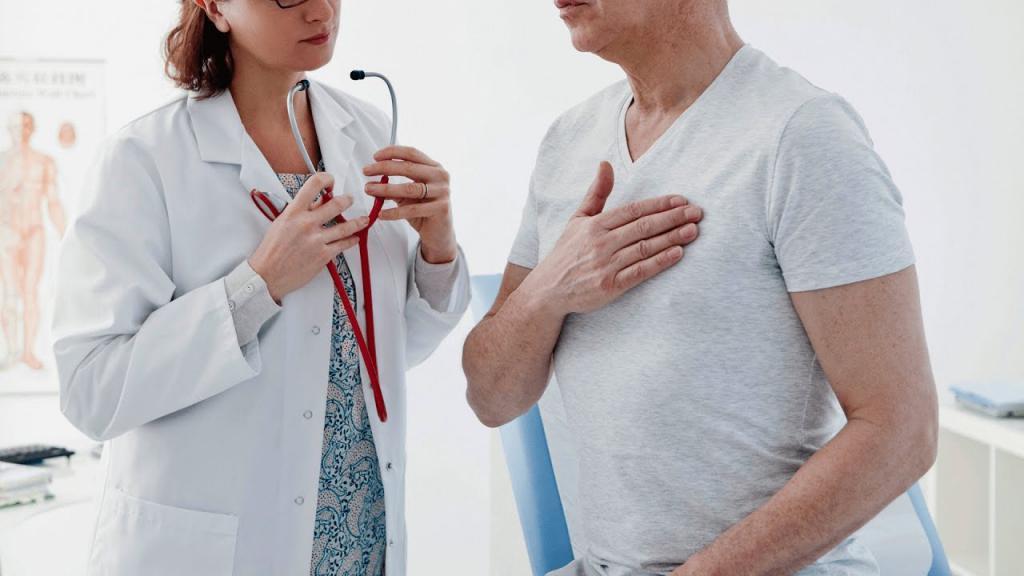боли и хруст в грудной клетке