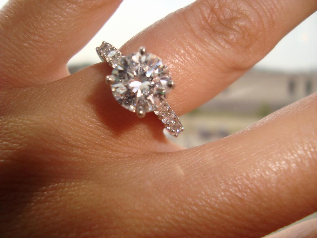 кольцо с бриллиантом сонник