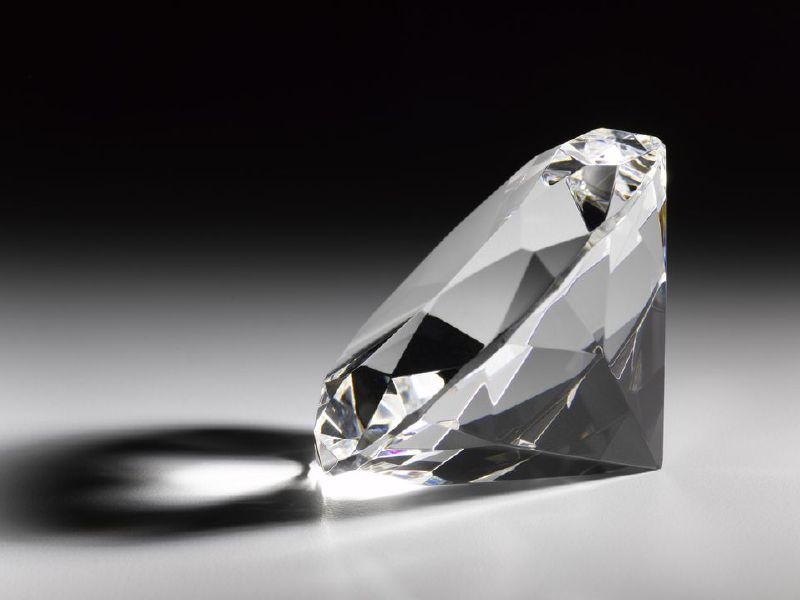 кольцо с бриллиантом что ждать