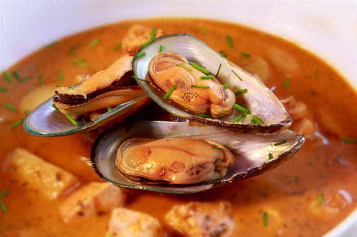 Острый томатный суп с морепродуктами рецепт