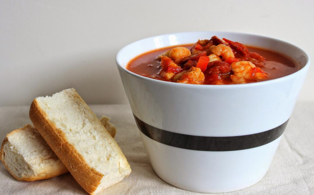Итальянский томатный суп с морепродуктами рецепт