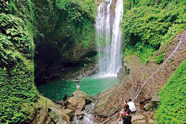 Алинг Алинг водопад Бали
