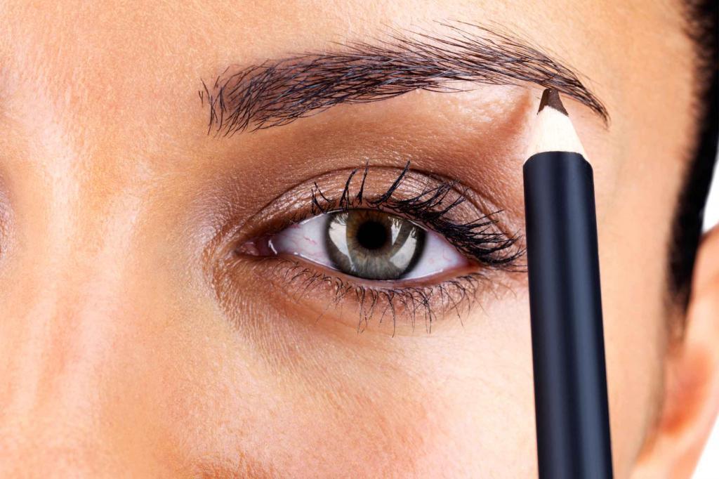 Окрашивание бровей карандашом