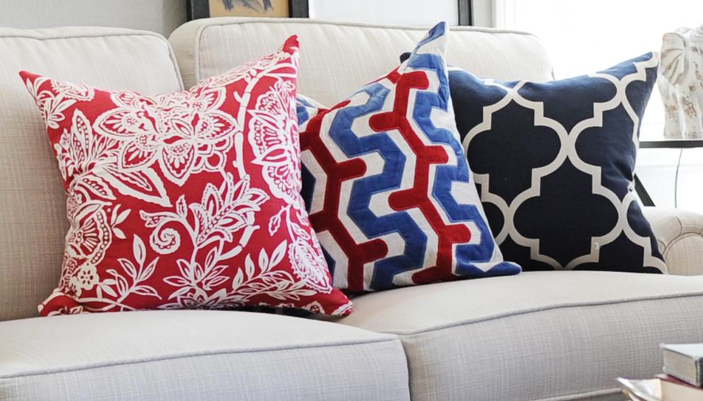 Как сочетать декоративные подушки