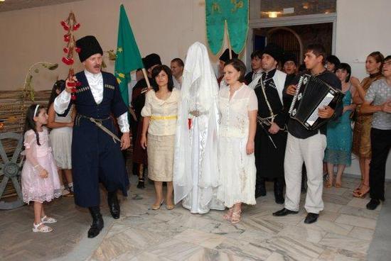 гости на балкарской свадьбе