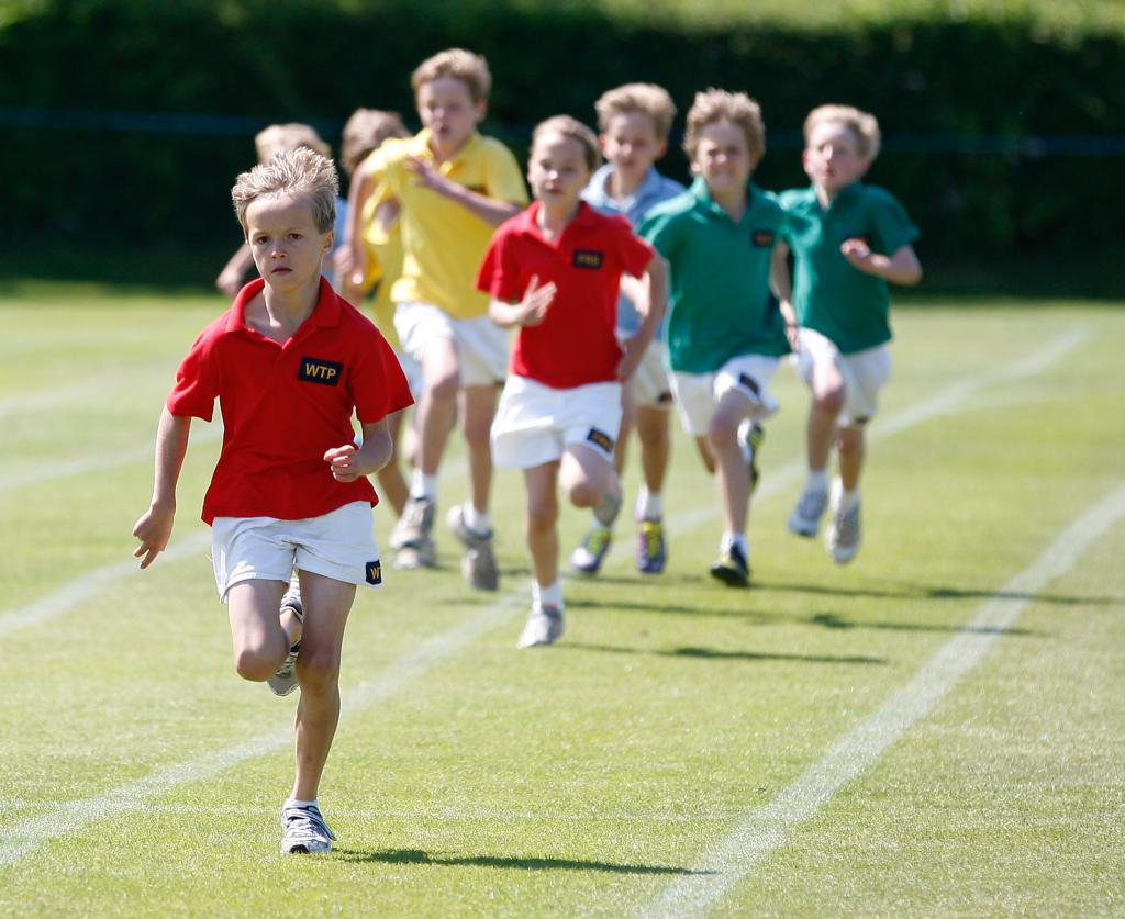 бегающие школьники