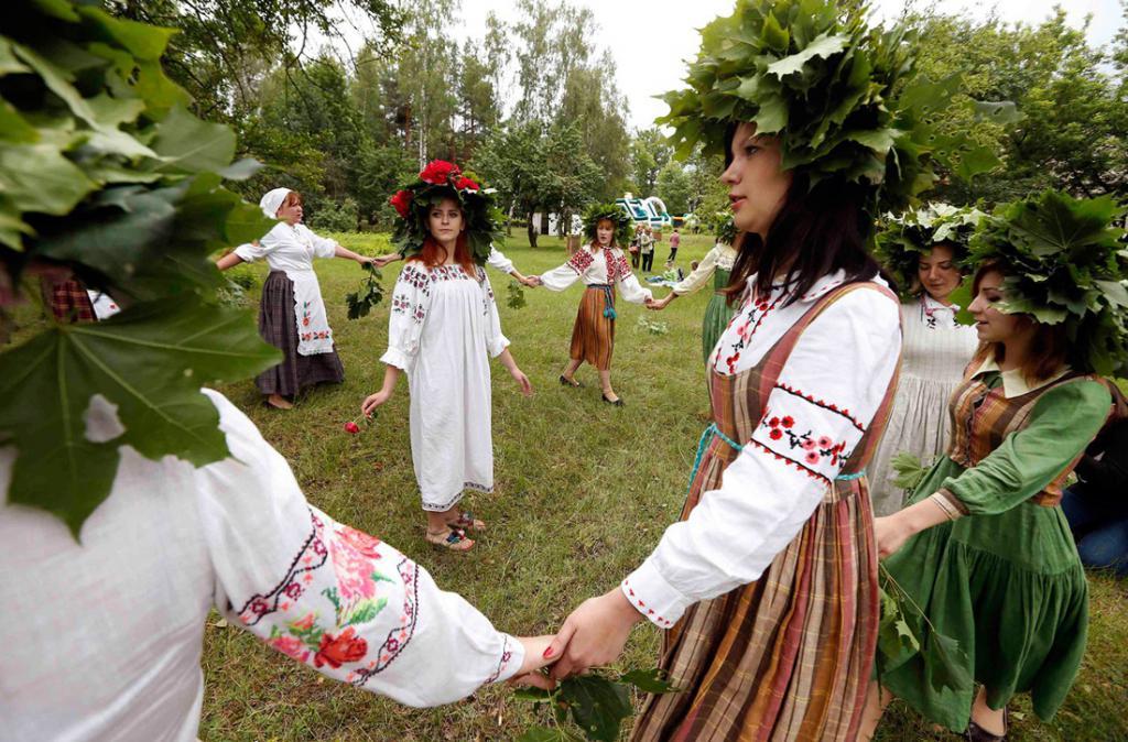 Хоровод на славянской свадьбе