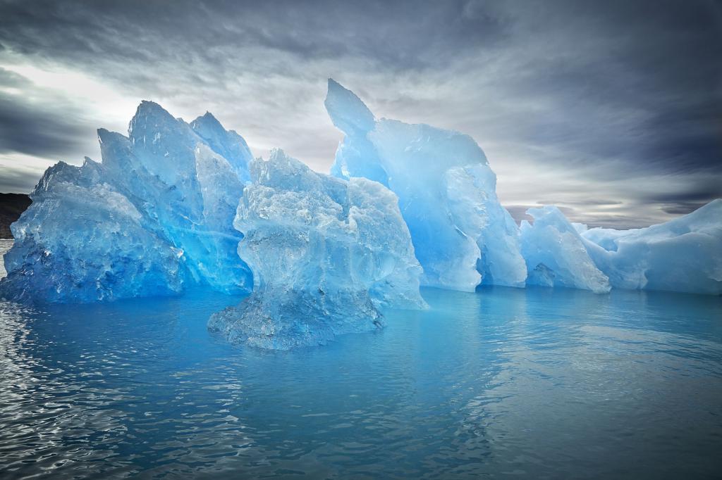 Голубой цвет прочного льда