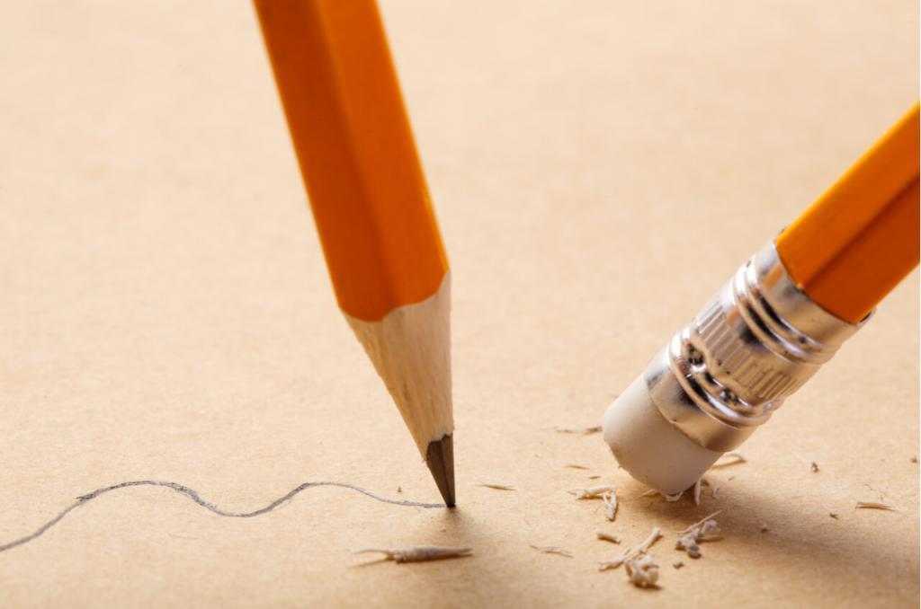 карандаш и резинка