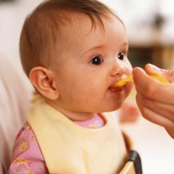 Во сколько начинать прикорм ребенка