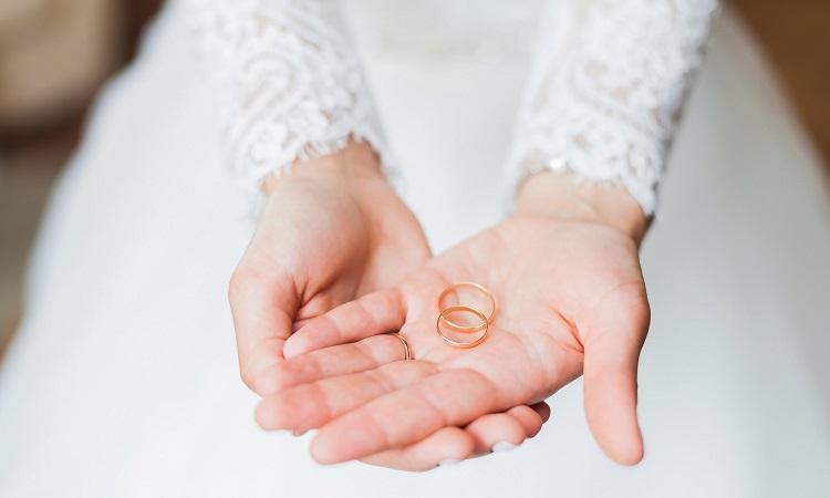 Кольца в руке