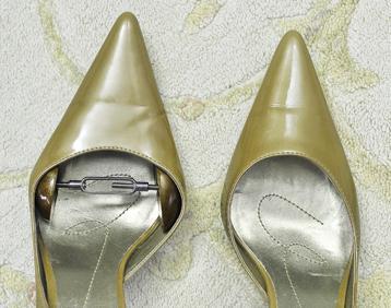 как растянуть туфли на размер