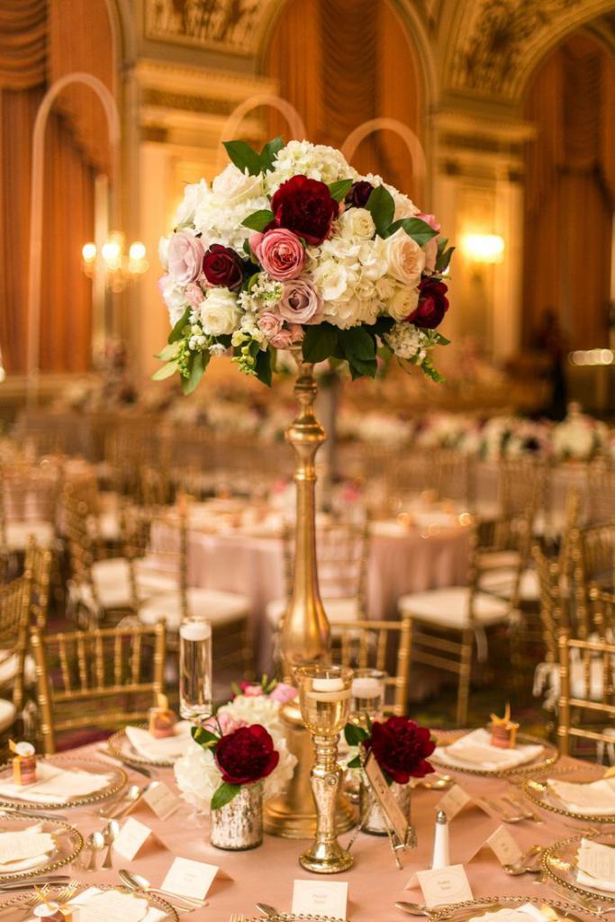 Свадьба в золотых цветах