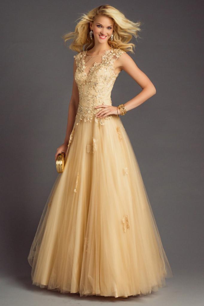 Золотое платье с акссесуарами