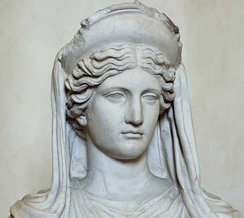 статую Деметры