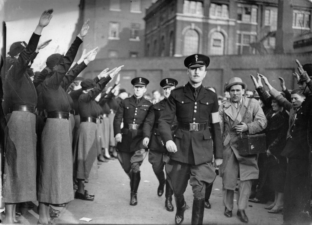 Военные на параде