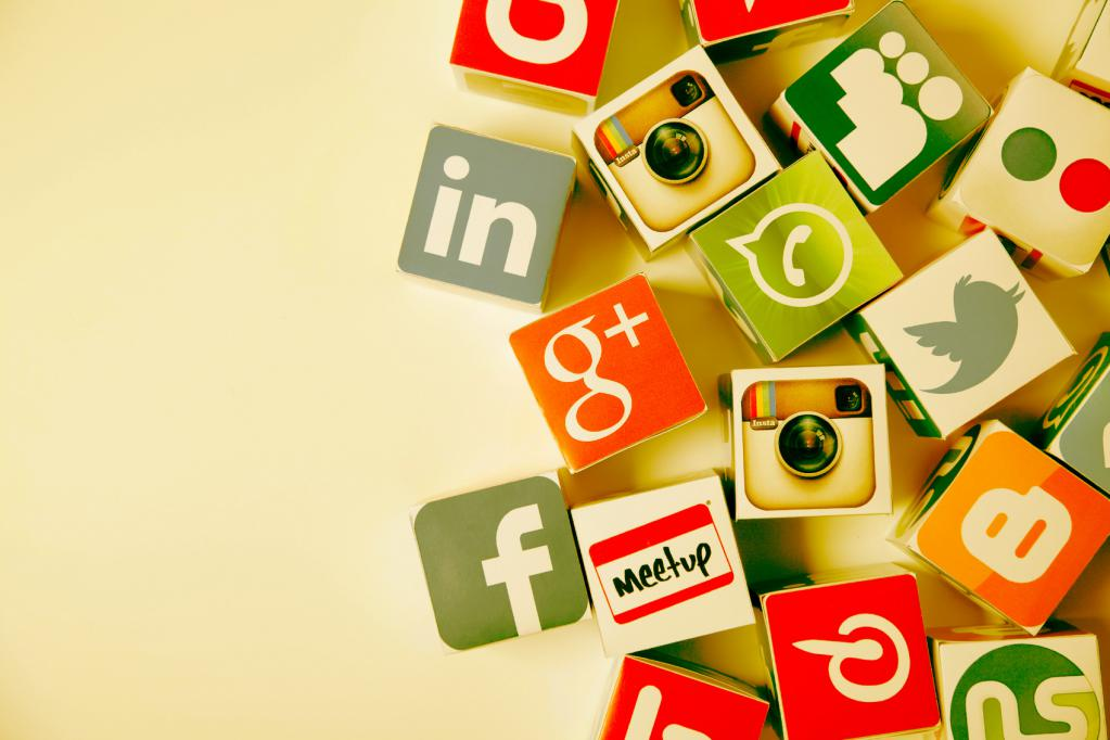 Социальные медиа как кубики