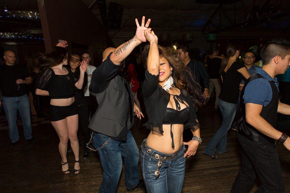 Танцы в клубах возбуждающие работай