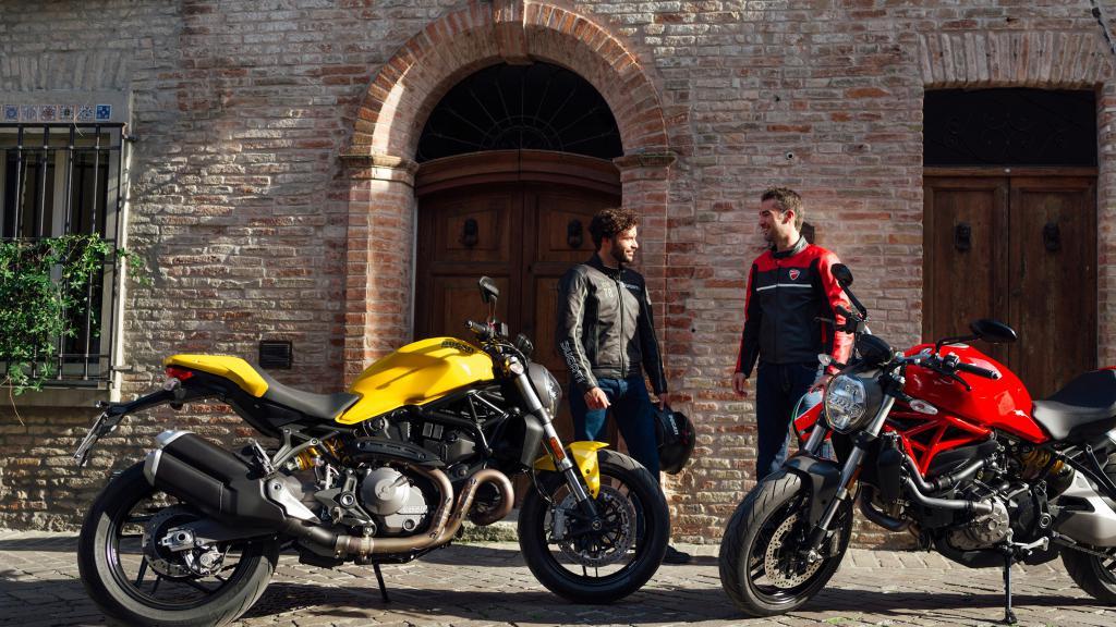 Встреча двух мотоциклистов