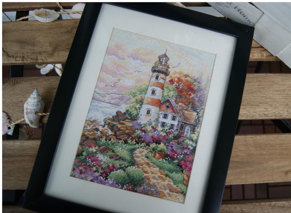 Вышитая картина с маяком