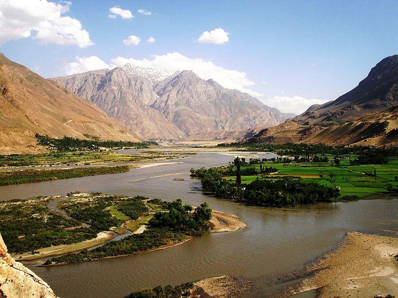 Живописная долина реки Пяндж