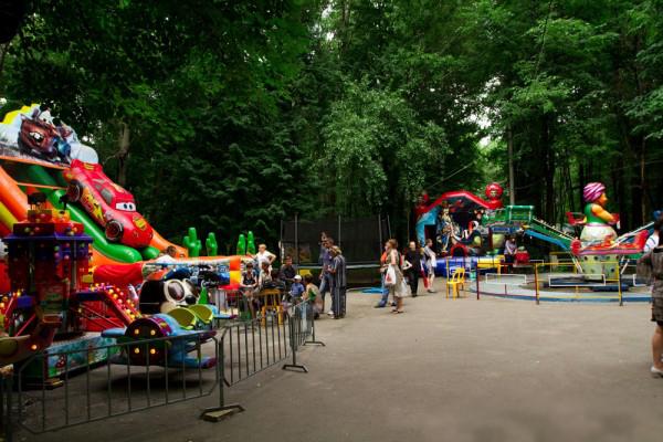 Детские площадки в парке