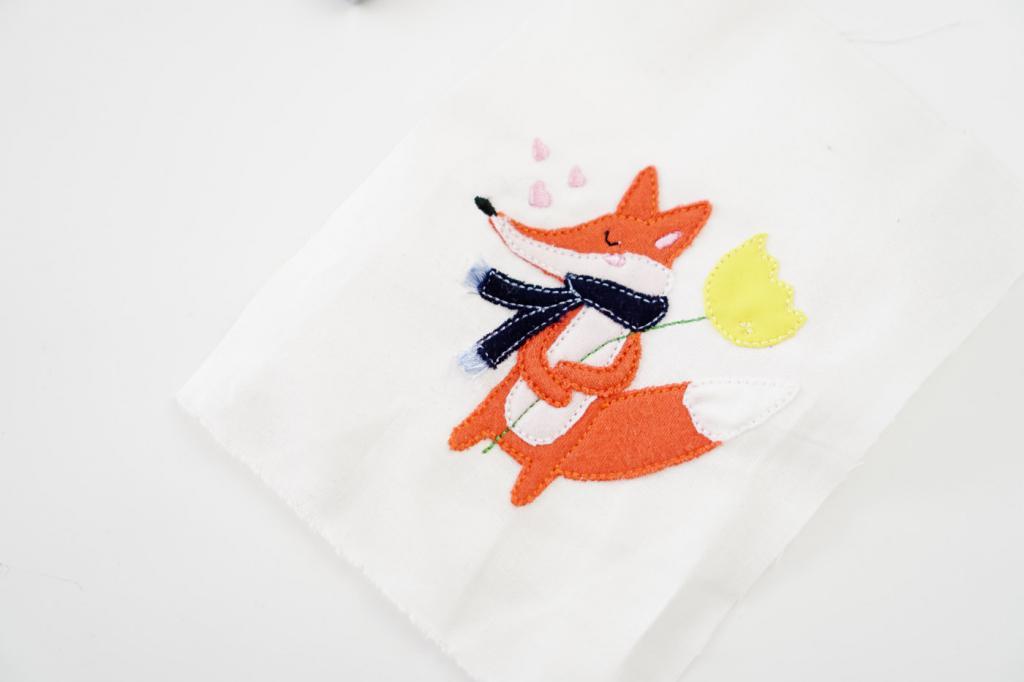 Лиса с шарфиком