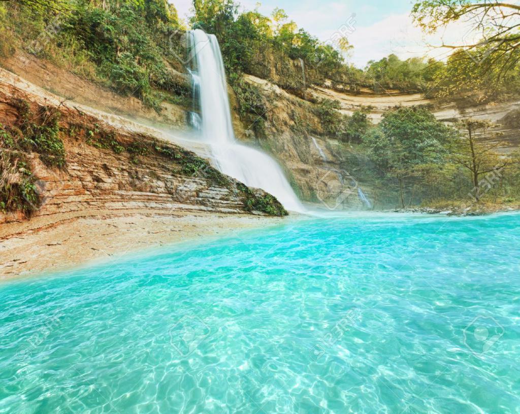 Водопад на Бохоле