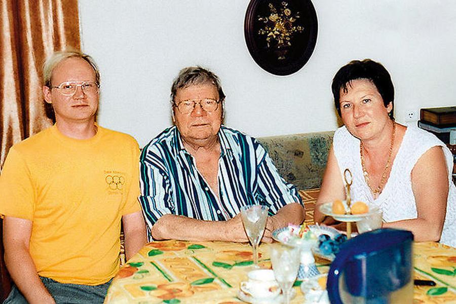 Пуговкин с дочкой Еленой и внуком Мишей