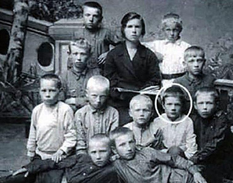 Маленький Миша Пуговкин