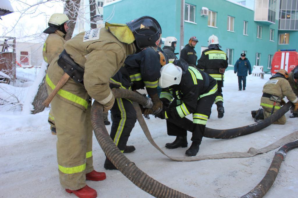 отработка нормативов по пожарно строевой подготовке