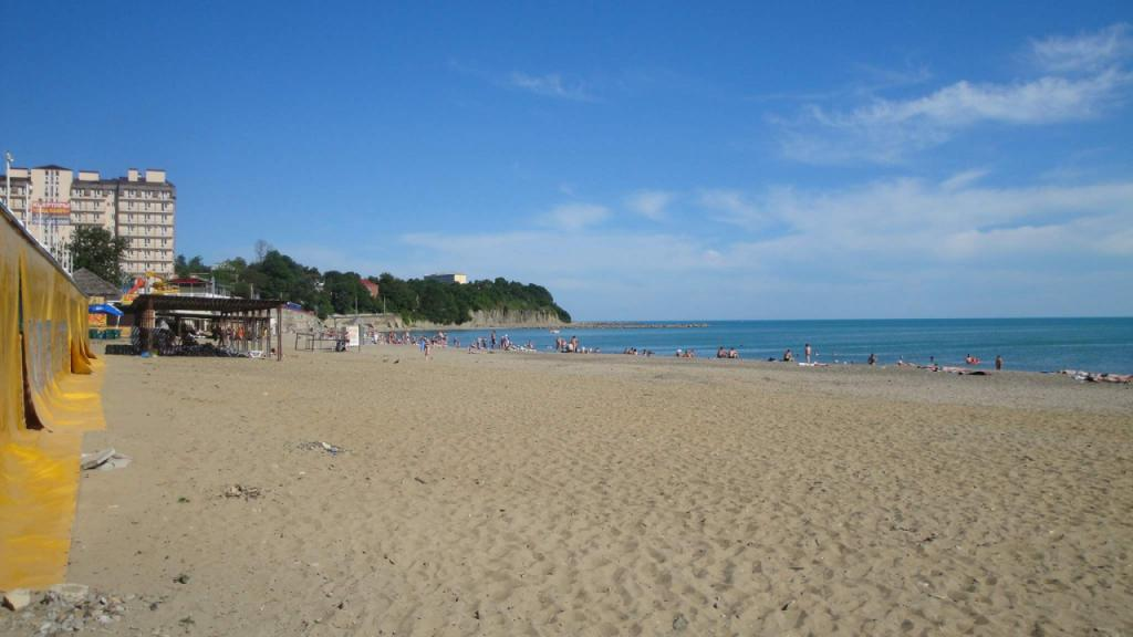 центральный пляж джубга