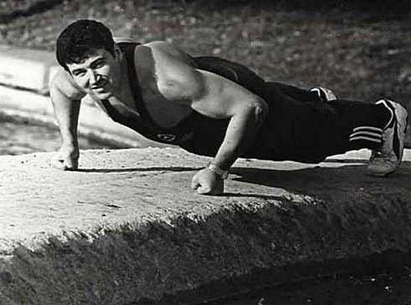 Циперович демонстрирует физическую форму