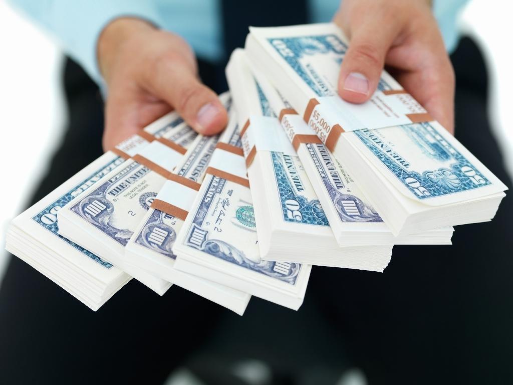 Деньги правят миром?