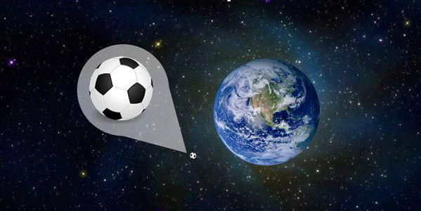 Футбольный мяч и Земля