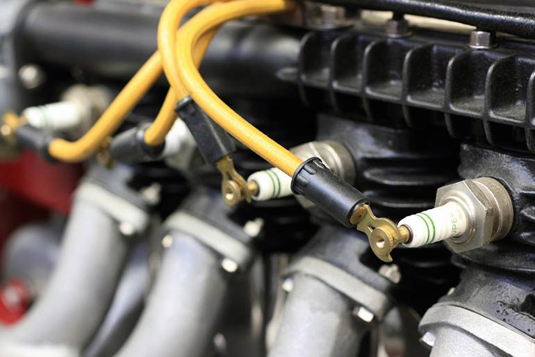 Двигатель подтраивает на холостых оборотах: особенности, причины и рекомендации