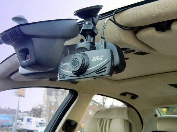 крепления для регистратора в машину