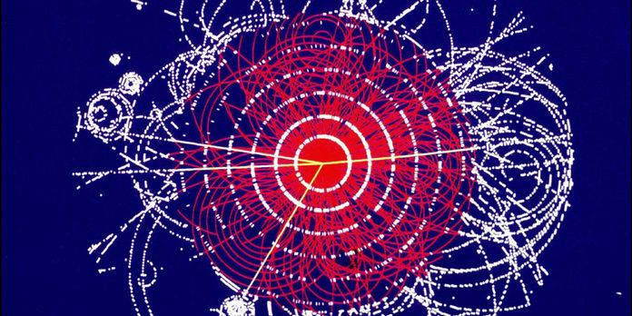 Треки элементарных частиц