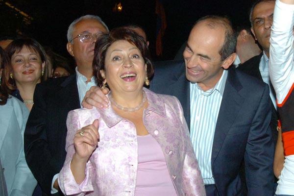 Супруги Кочарян