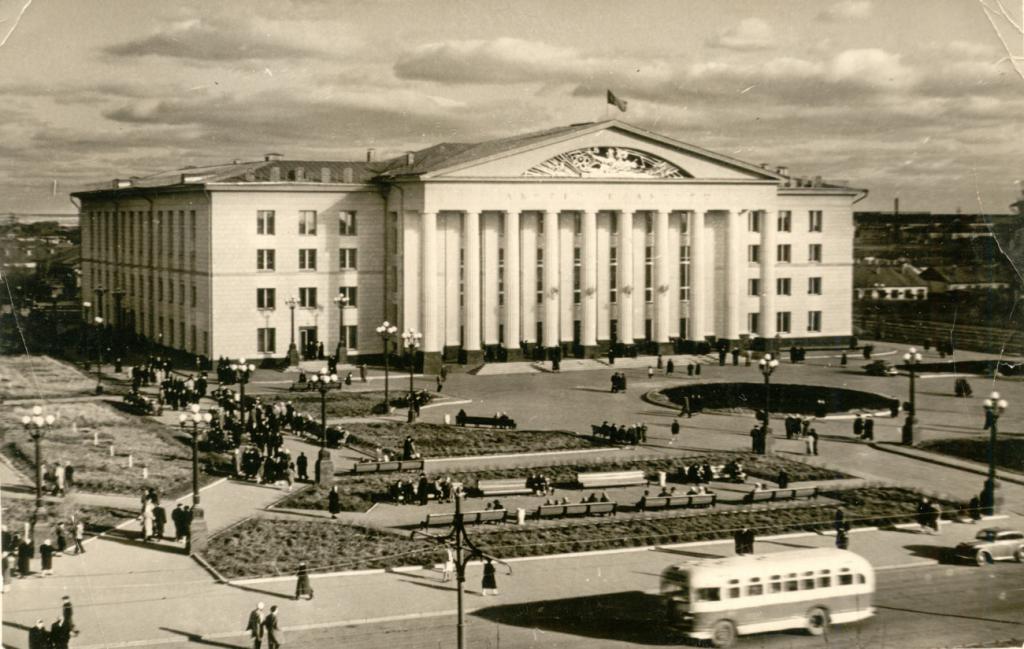 История площади Кирова